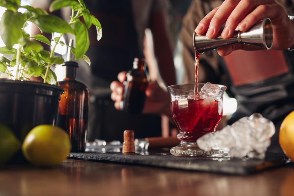 How To Create The Perfect Signature Wedding Cocktail: Tips & Advice
