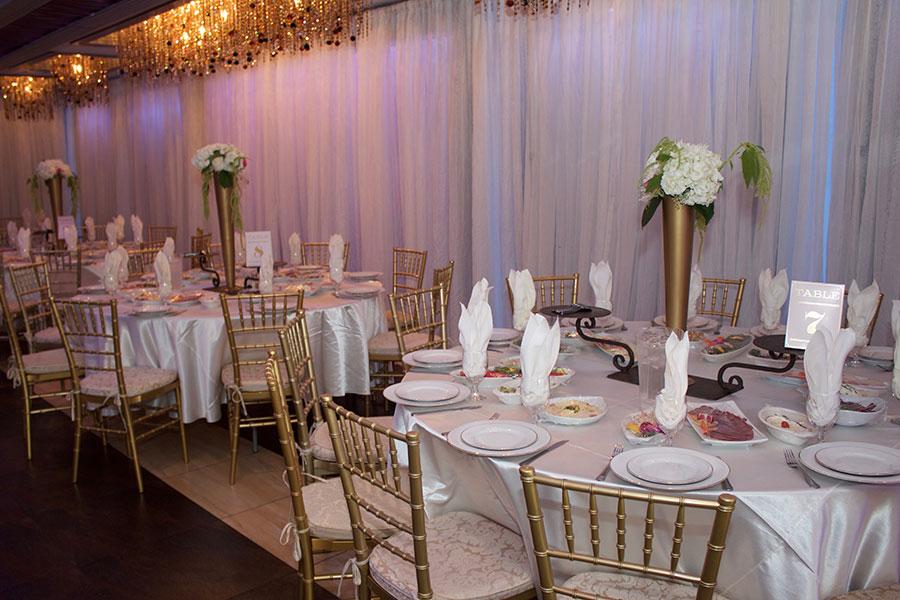 4 Reasons To Host Wedding Ceremony Reception At Same Venue