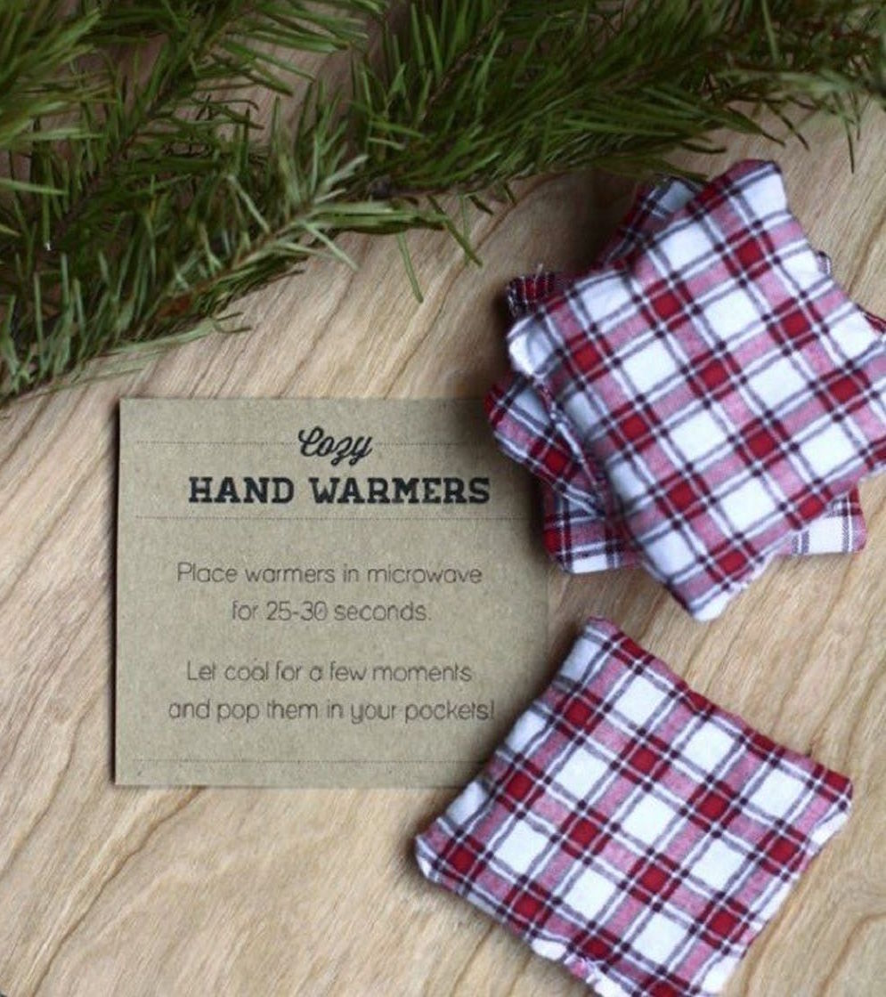 hand warmers as winter wedding favors
